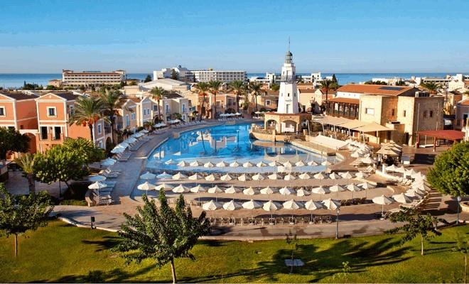 Курорт представляет собой оазис красоты и спокойствия