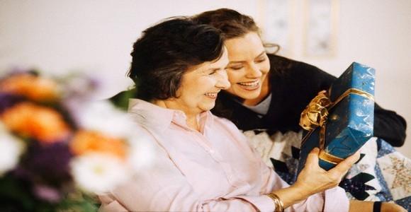 Любимые мамы и бабушки