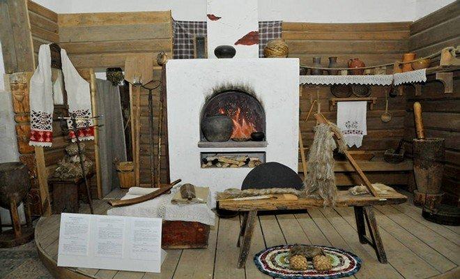 Русское жилище, как и жилище любого народа имеет много разных типов